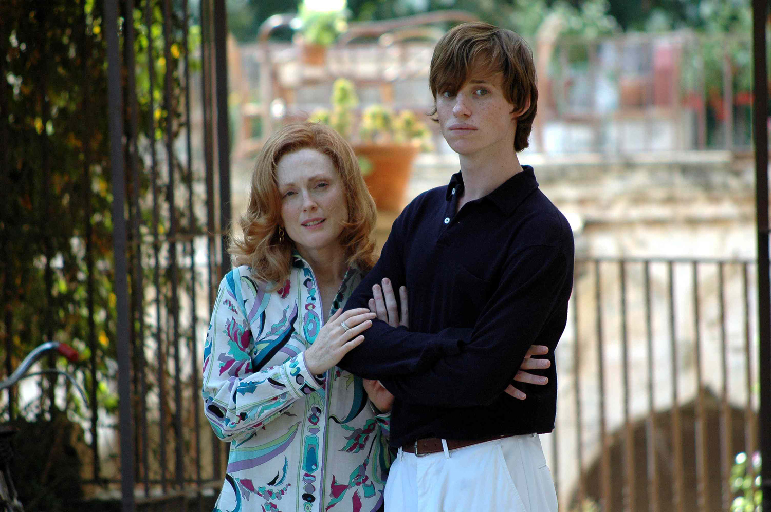 Julianne Moore and Eddie Redmayne in SAVAGE GRACE (2007)