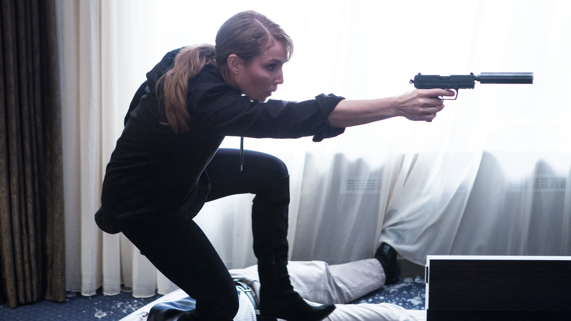 Noomi Rapace in UNLOCKED (2017). Copyright Di Bonaventura Pictures