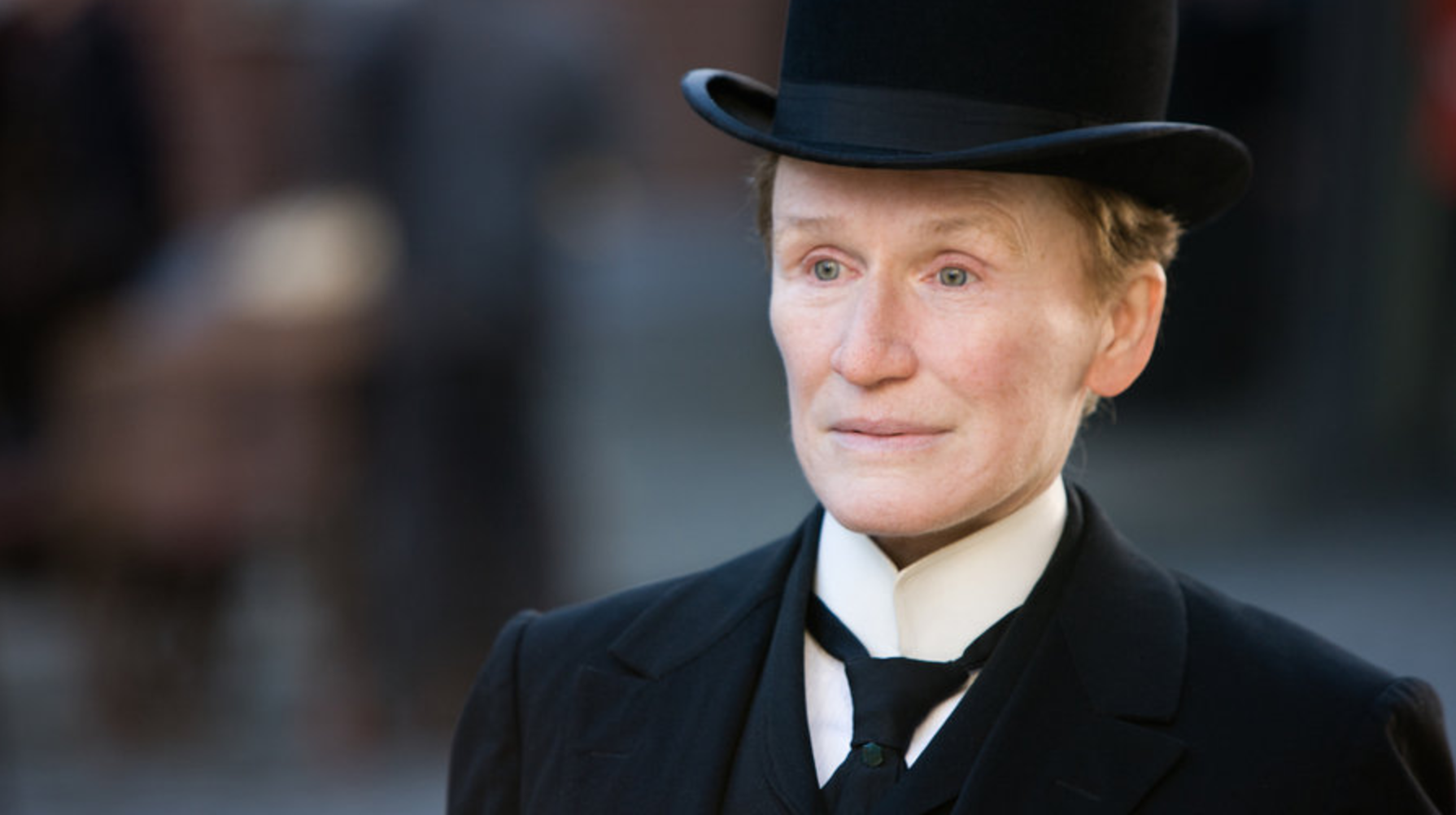 Glenn Close stars in ALBERT NOBBS (2011)