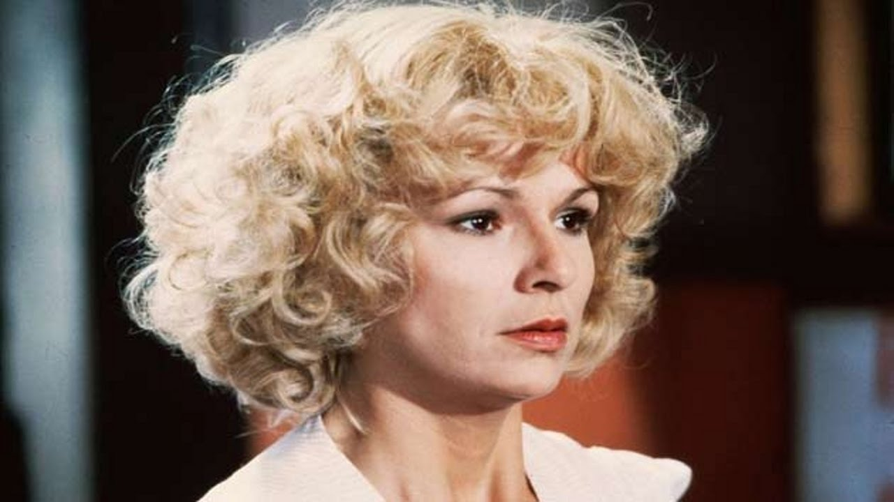 Julie Walters as Rita in EDUCATING RITA (1983) © Acorn Pictures